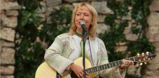 Ieva Akurāteres dzied koncertā par godu Latvijas Tautas frontes Ikšķiles un Tīnūžu atbalsta grupas dibināšanai pirms 20 gadiem!