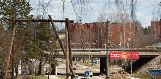 Ikšķiles pilsētas centrs, skats no Estrādes kalna uz Rīga-Daugavpils šoseju.