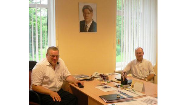 Ikšķiles novada domes priekšsēdētājs Indulis Trapiņš (no kreisās) un priekšsēdētāja vietnieks Jānis Rudzītis.