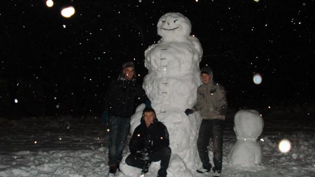 Lielais sniegavīrs Ikšķilē.