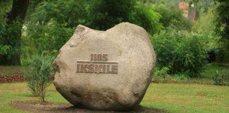 Ikšķiles 800.gadu jubilejas piemiņas akmens.