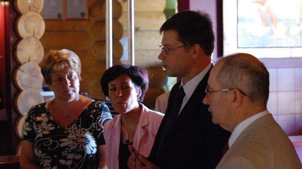 Valdis Dombrovskis viesojas Ikšķilē.