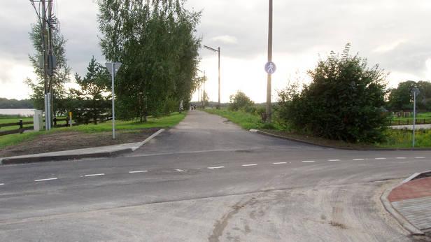 Kā droši nokļūt līdz gājēju ceļam, ja nebrauc ar auto?