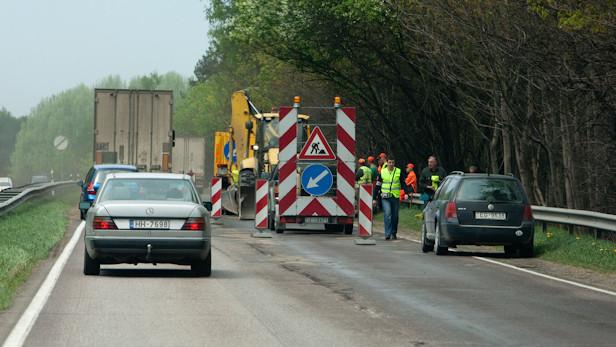 Remontdarbi uz Rīga-Daugavpils šosejas. Satiksmes ierobežojums.