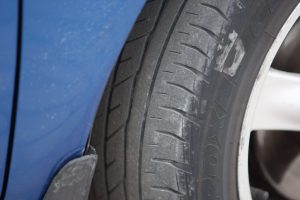 Ikšķiles pašvaldības Izpilddirektora auto bīstams satiksmei un apkārtējiem.