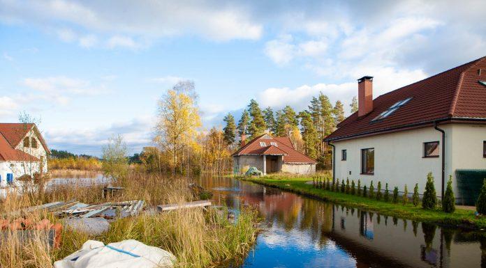 Salaspils lauku teritorija, pie autoceļa E22 17.oktobris 2014.gads, Mazā Jugla. Foto: Ikskile.TV