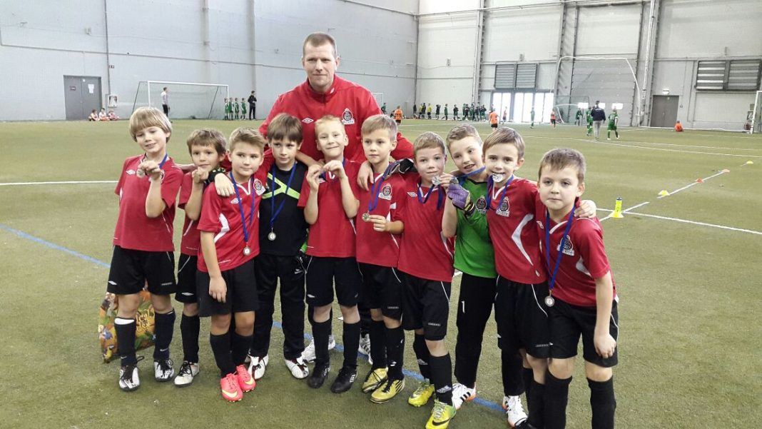 Rīgas atklātais ziemās čempionāts futbolā FK IKŠĶILE U-9 (2006.g.dz.) atkal 1.vietā !