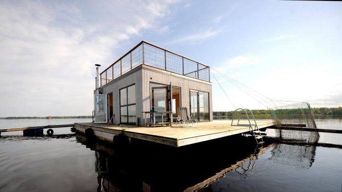 Jauka atpūtas māja uz ūdens pašā Daugavas vidū (peldošā pirts)