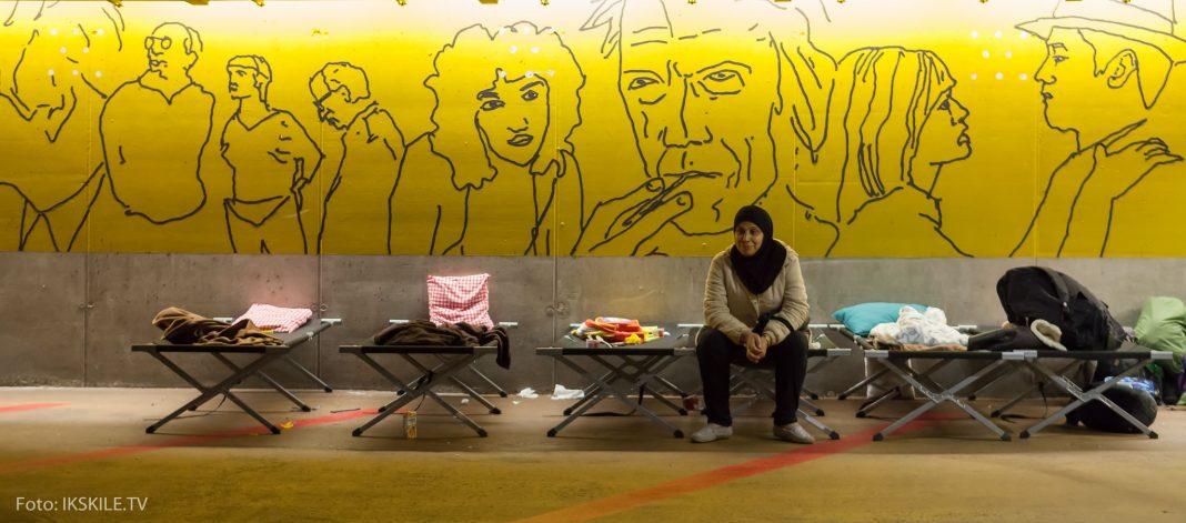 Bēgļu naktsmītne Zalcburgas stacijas pazemes stāvvietā. Foto: Ikskile.tv