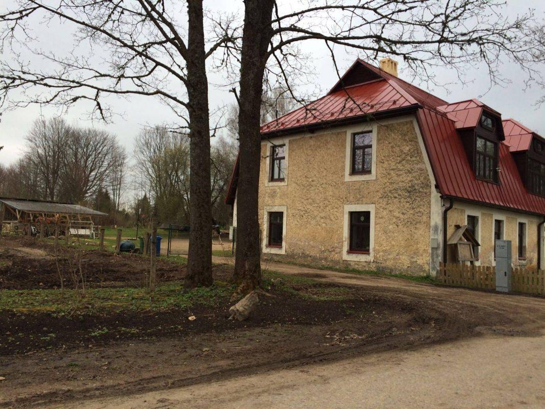 Ikšķiles brīvā skola ar žoga projektu iekļūst If Drošības fonda finālā