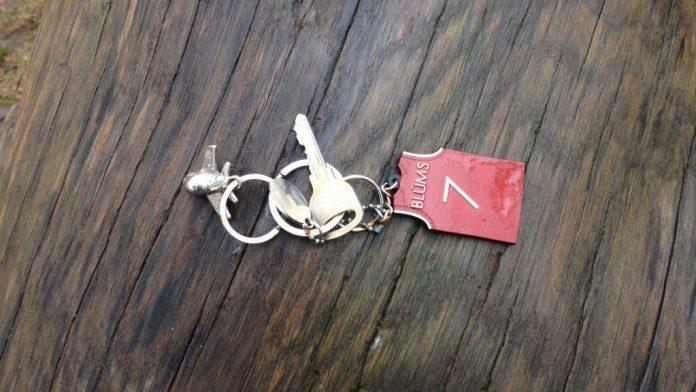 Ikšķilē pie Doktorāta bērnu laukumiņa atrastas atslēgas