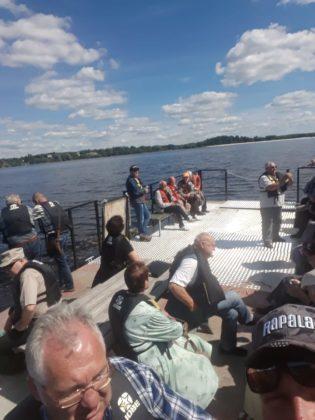 Koncerta apmeklētāji dodas uz Sv. Meinarda salu ar Udensprieks.LV plostu, kur par godu Ikšķiles 835. dzimšanas dienai būs koncerts